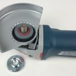 Die verstellbare Schutzhaube am Bosch GWS Winkelschleifer