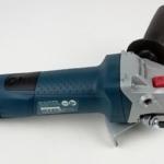 Foto von der rechten Seite des Bosch GWS 7-125 Professional Winkelschleifer